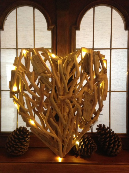 Treibholzherz mit LED Beleuchtung